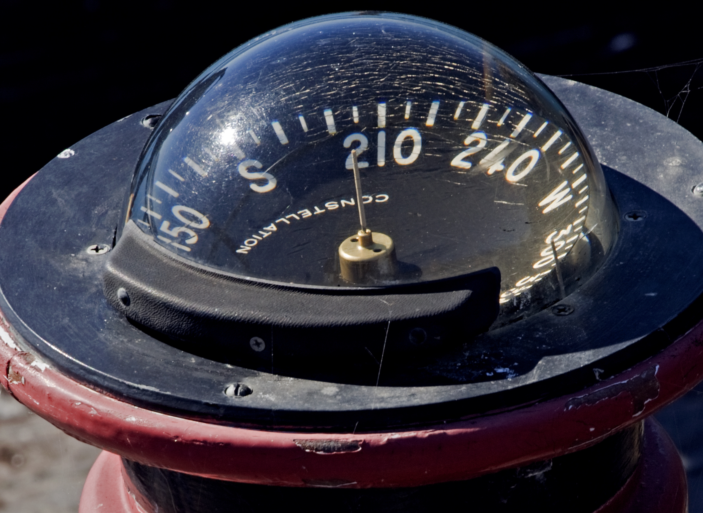 Ships-Compass-by-Kevin-Cole-CC-BY-2.0.jpg