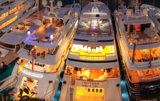 07Crevisio-0206-Monaco-Yacht-Show-2013-Port-Panorama-Ultra-6032x1200_05a by Jeff1961 CC BY 2.0