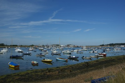 Bembridge Harbour by Simon Haytack CC BY-SA 2.0